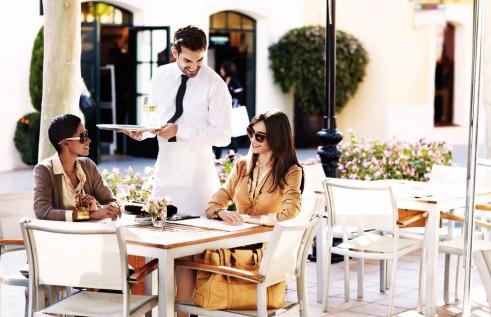 Una imagen promocional de La Roca Village, Barcelona, centro comercial especializado en turismo de compras.