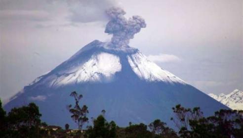 Erupción del volcán Cotopaxi, en Ecuador.