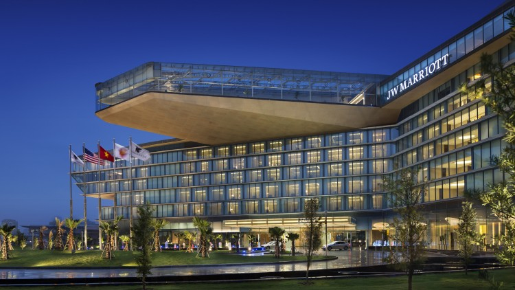 JW-Marriott-Hotel-Hanoi-750x422