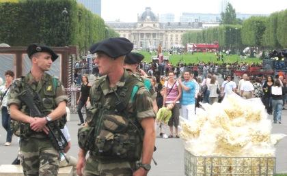 militares-en-paris